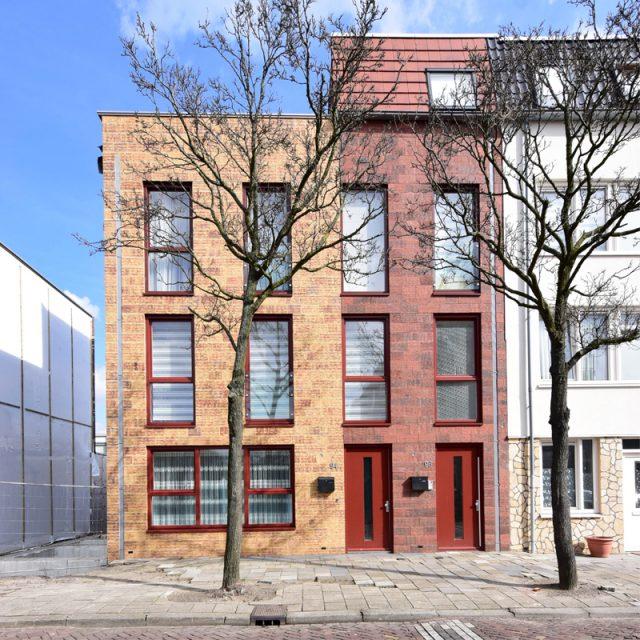 Zelfbouw woningen aan de Van Dijckstraat, Den Haag